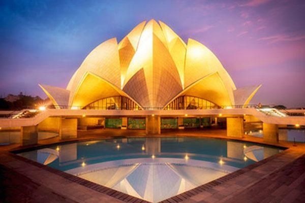 معبد نیلوفر آبی، دهلی هند